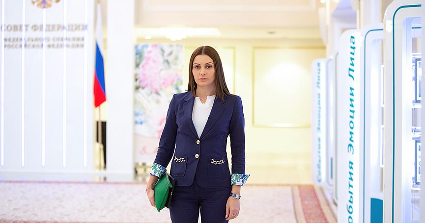 Путина задолжала государству